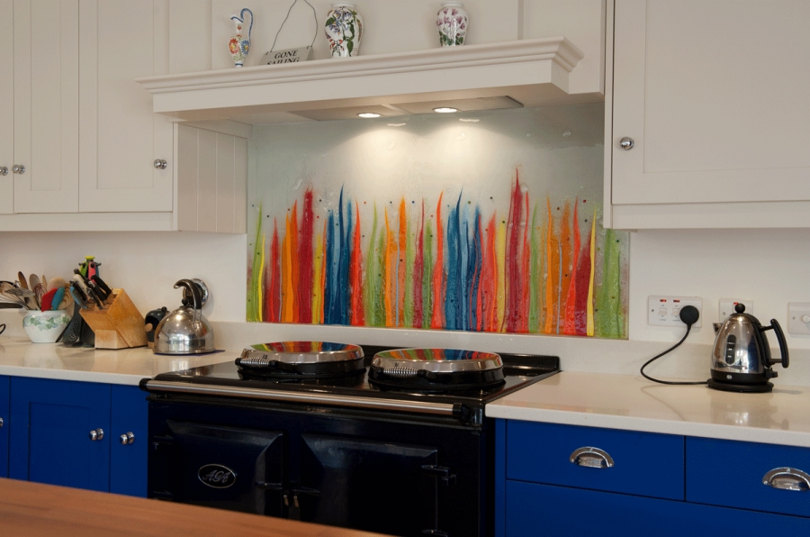 This gorgeous fused glass art is the perfect example of what our glass splashbacks Hampshire wide can do.
