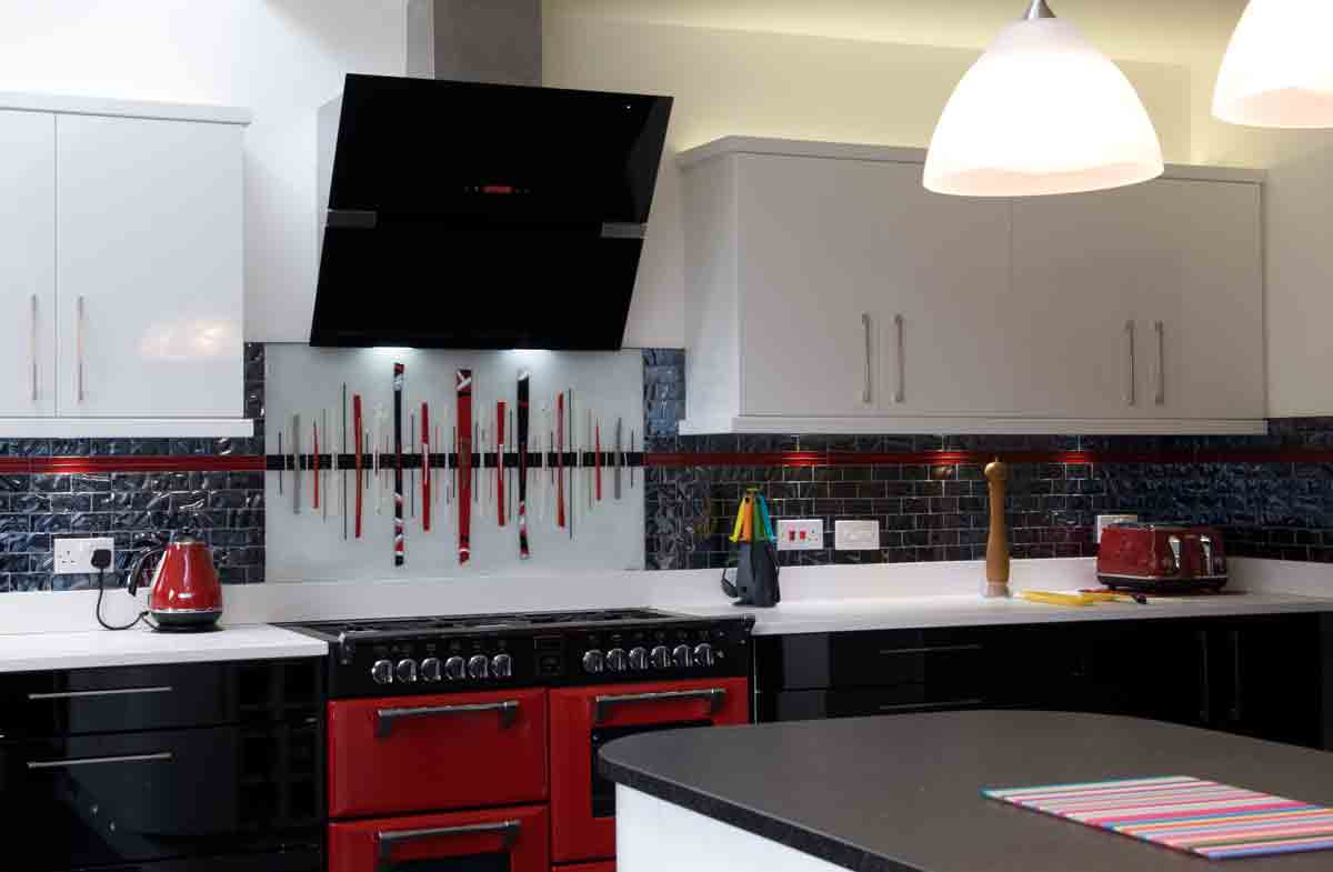 One of our glass splashbacks Manchester-wide that found a home in Alkrington. Just look at those lines!