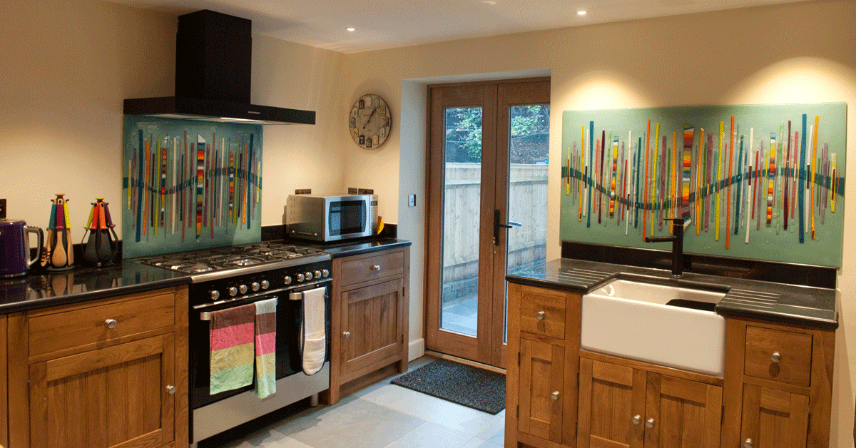 This gorgeous pair of glass splashbacks found a home in Twickenham, London. They're stunning together!