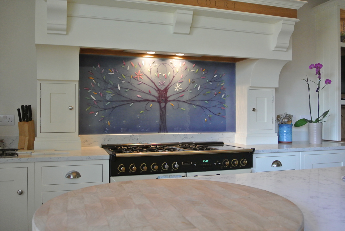 This beautiful centrepiece is a great example of fused glass art splashbacks at their very best.