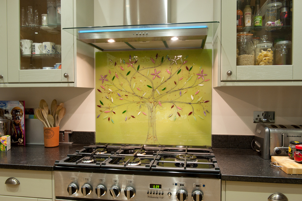 This beautiful tree of life is a perfect example of how glass splashbacks can create the perfect centrepiece.