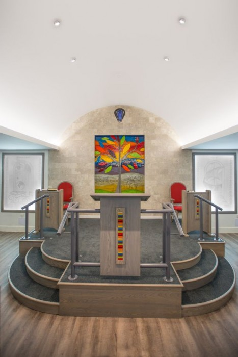 The full picture of our fused glass art at Radlett Synagogue. We're very happy with it looking back on it today.