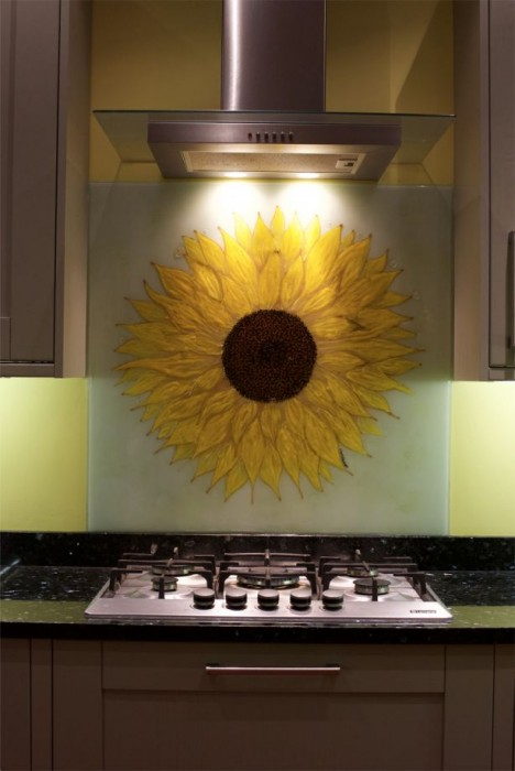 A beautiful image of how we put images into our bespoke glass splashbacks. London was the home for this one.