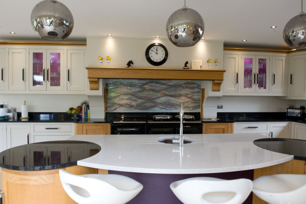 One of our most thematic bespoke glass splashbacks in Tamporley. Looks fantastic in situ!