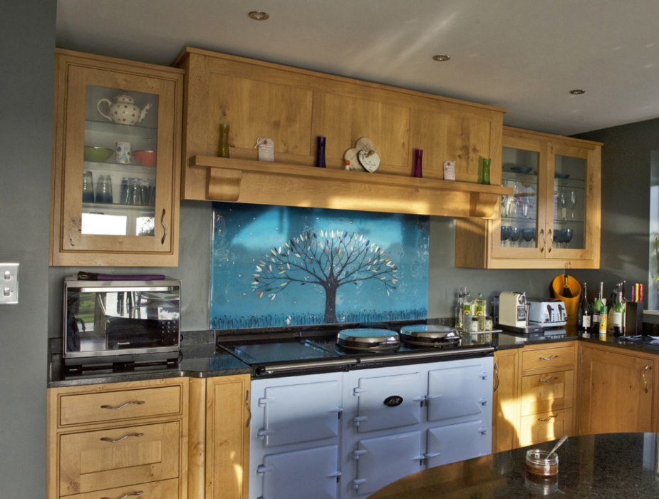 An example of one of our gorgeous bespoke glass splashbacks in Milton Keynes.