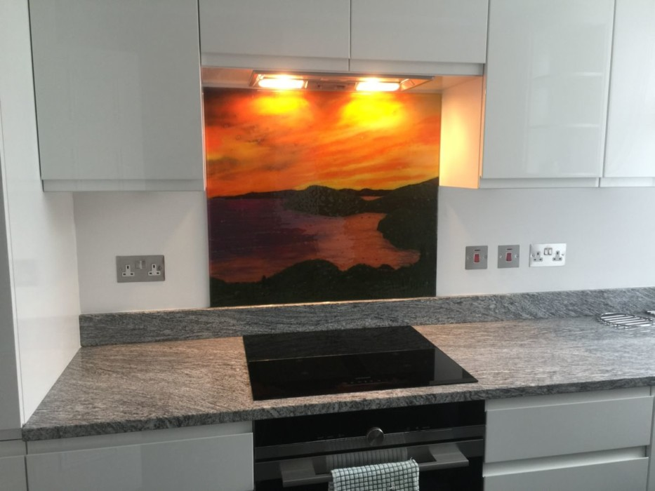 This gorgeous fused glass art is one of our best glass splashbacks London-wide. A real treat for the eyes!